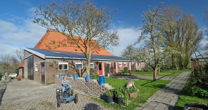 slapen bij de boer in Friesland terpdorp Boazum