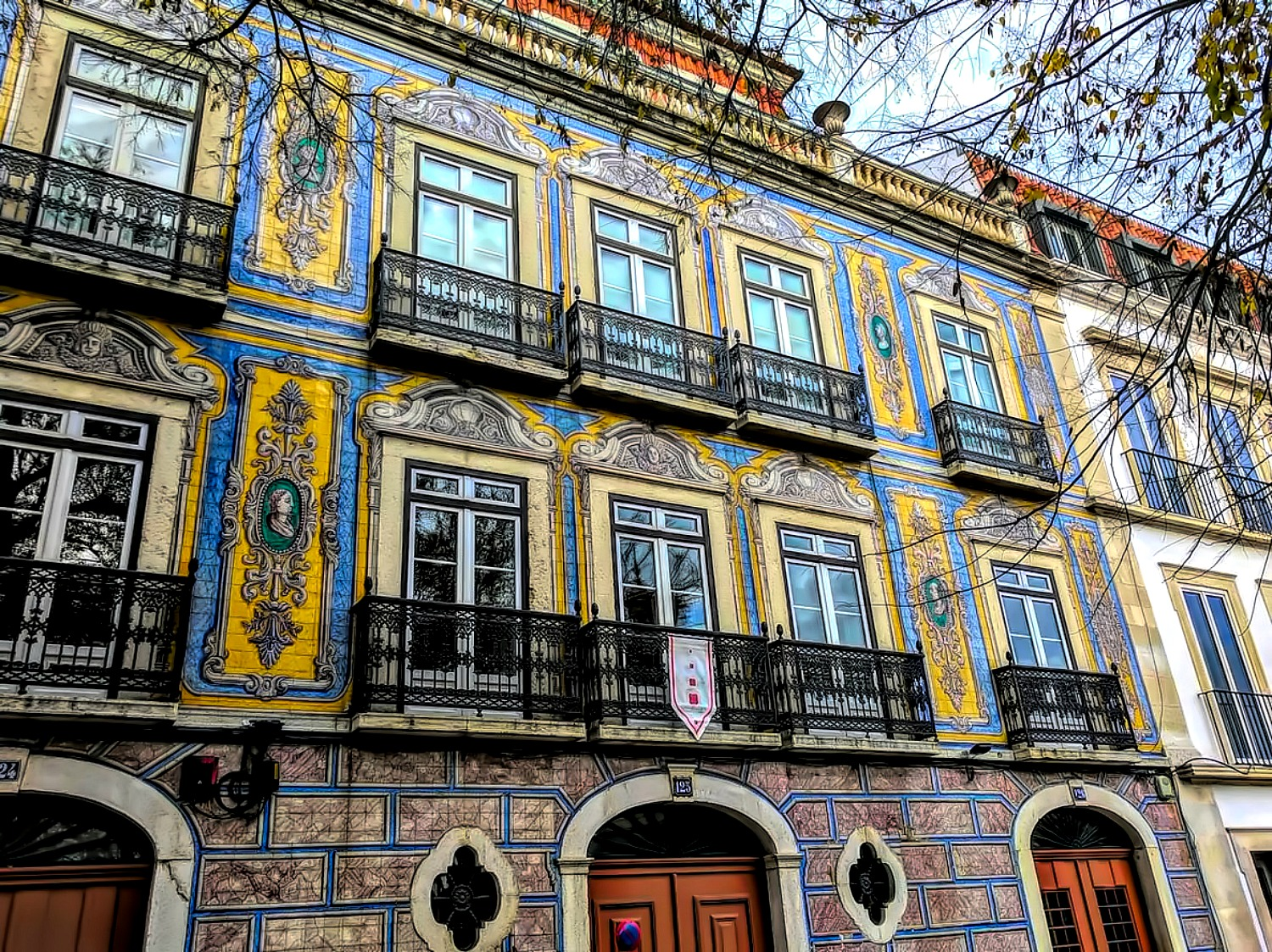 Portugal - one week itinerary. How is this for your house siding?