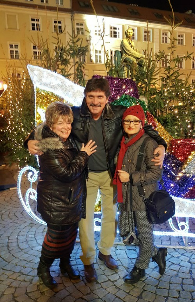 Living and traveling with cancer. Christmas market in Poland.