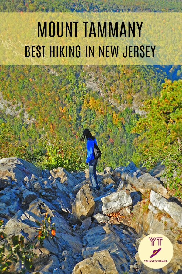 Looking for the best hike in New Jersey? Then head straight to Mount Tammany in Delaware Water Gap on the border with Pennsylvania - nature at its best! #mounttammany #besthikinginnewjersey