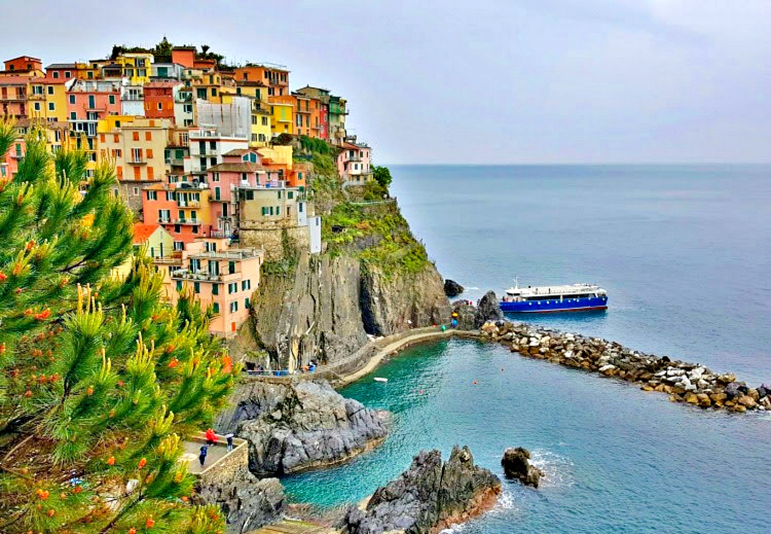 Famous sights in Italy - Cinque Terre.
