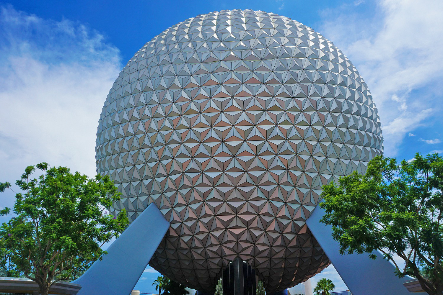 Reasons to visit America - Epcot Florida.