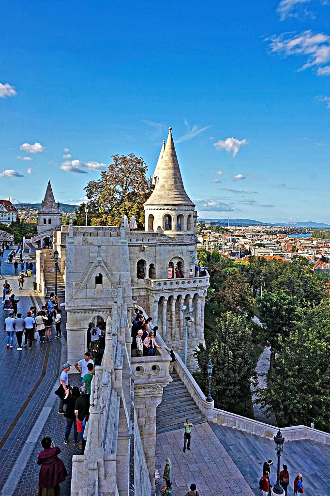 Budapest travel guide. Fisherman's Bastion.