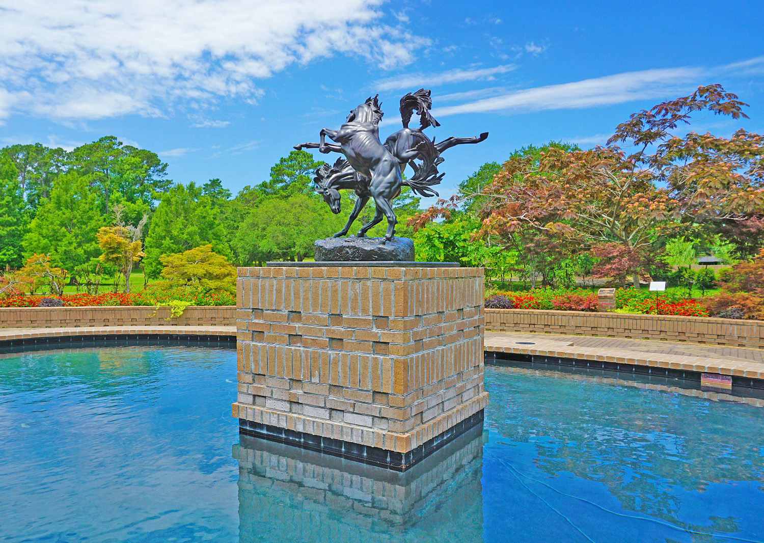 Myrtle Beach - what to do.Ponds and sculptures at its best in Brookgreen Gardens.