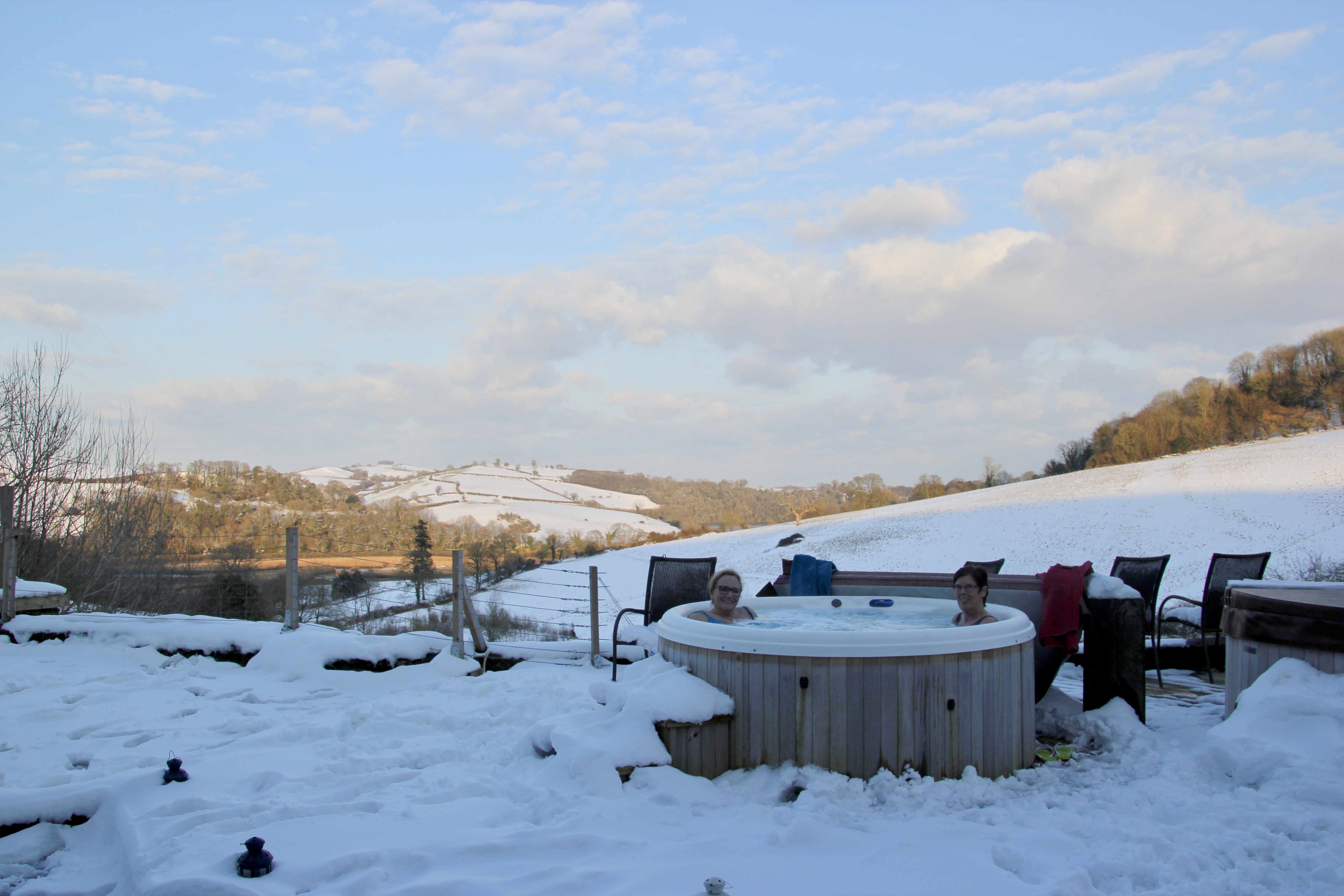 sewing retreat, hot tub, snow, devon, totnes