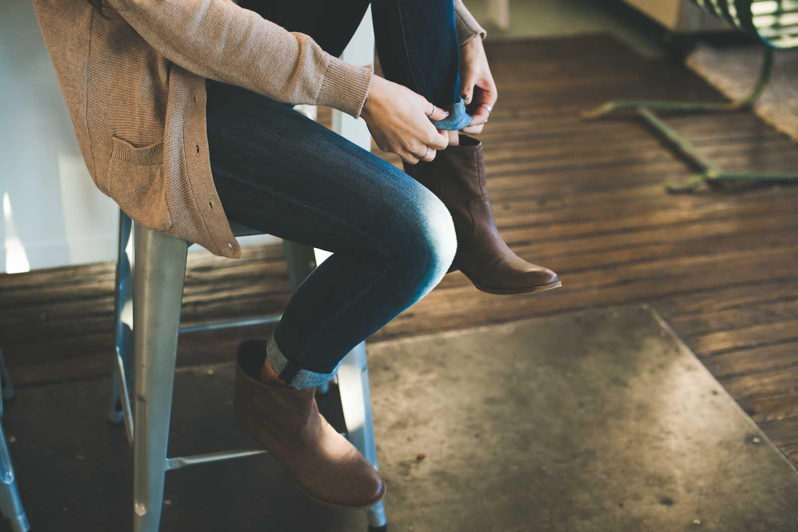 Girl on stool | YWAM Sydney, Newtown | Australia
