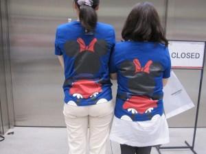 みんなでつながるディズニーTシャツ