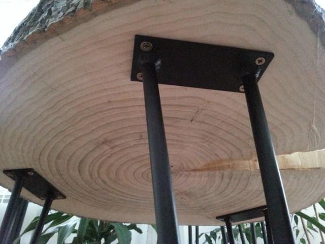 04 diy stolik z plastra drewna na trzech nóżkach hairpin legs podstawka pod kwiatka kawowy nocny pomocnik diy do it yourself jak zrobić