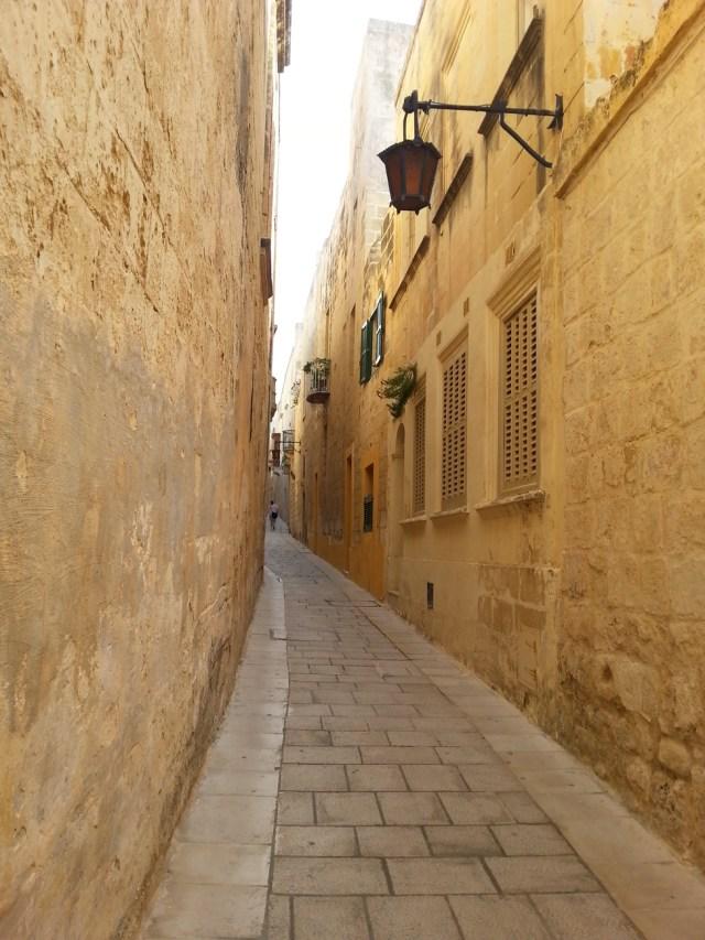 04 Malta wąska uliczka architektura wapień