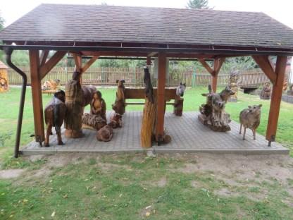 Ostravice-Raj-drevenych-soch-Betlem