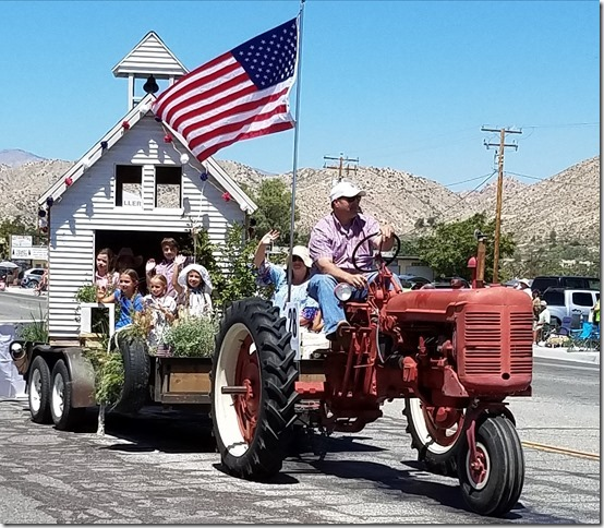 05.27.17 - Grubstake Days Parade - Yucca Mesa Elementary School
