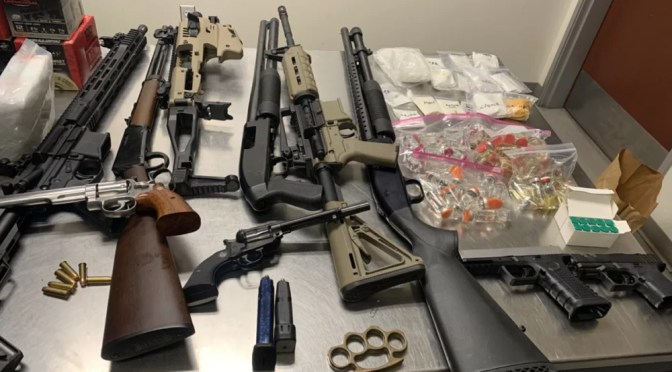 YUCCA VALLEY FELON ACCUSED OF POSSESSION OF FIREARMS AND A CONTROLLED SUBSTANCE