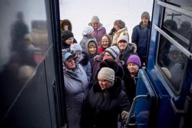 Поезд-поликлиника для оказания медпомощи Восточной Сибири (8 фото)