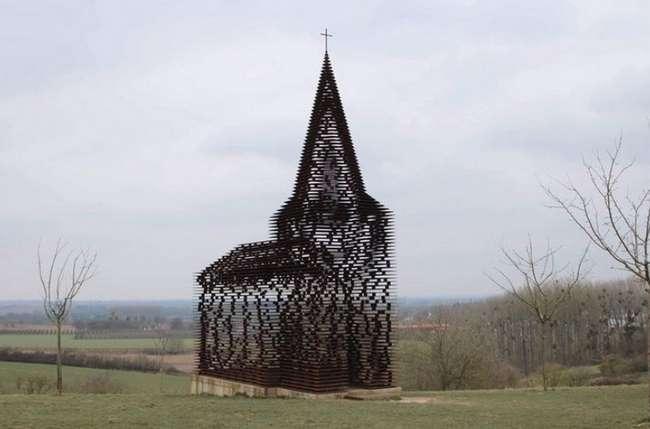 Бельгия &8212; часовня из металлических пластин