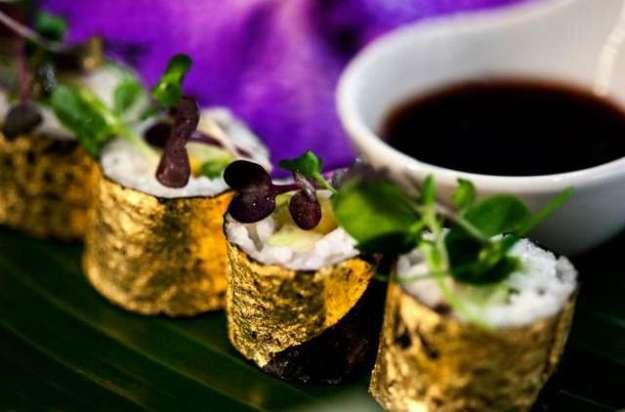 Блюда с пищевым золотом: роскошь или ирония над расточительностью?