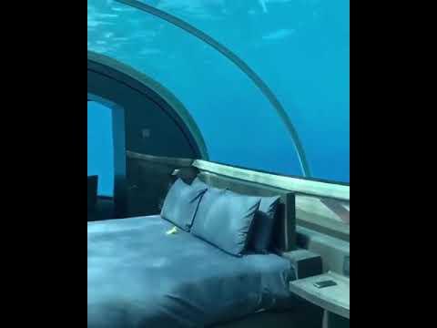 Подводный номер гостиницы на Мальдивах