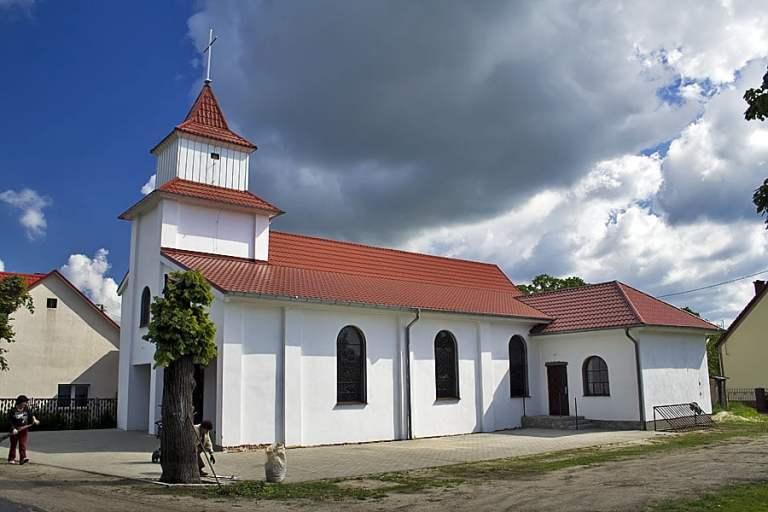 Kościół w Radwanowie