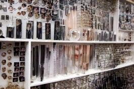 michael-mapes-collages-dutch-portraits-designboom-10
