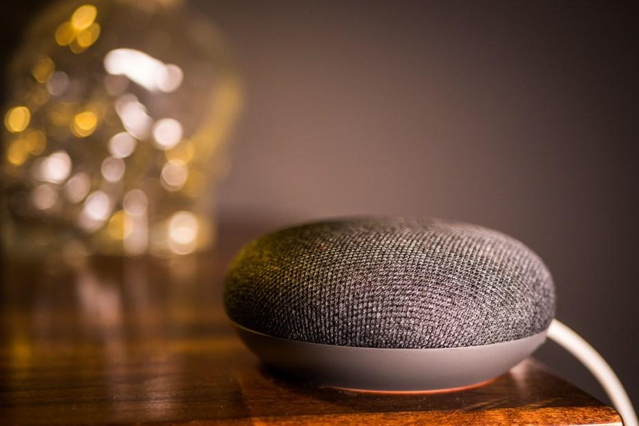 Google Home Mini (6 of 17)