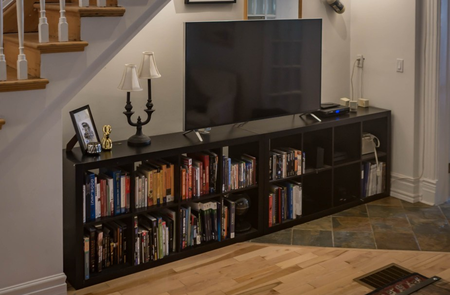 TV Stand (30 of 67)