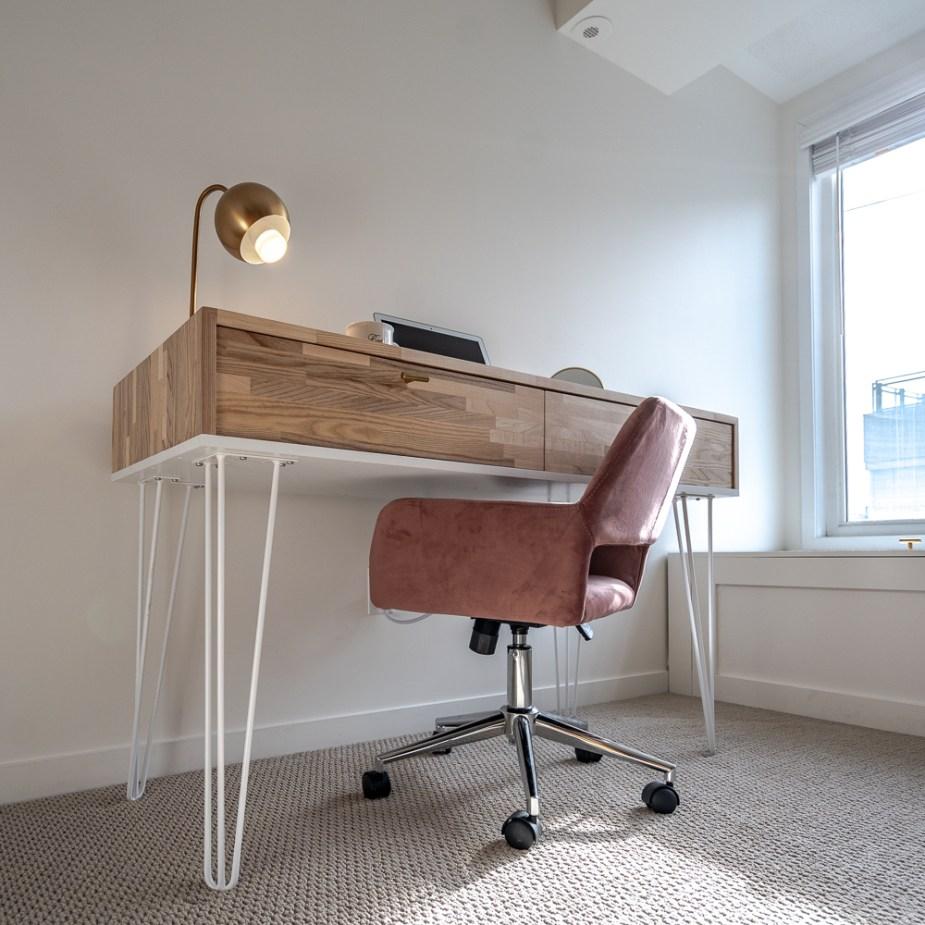 Sanding Desk (4 of 73)