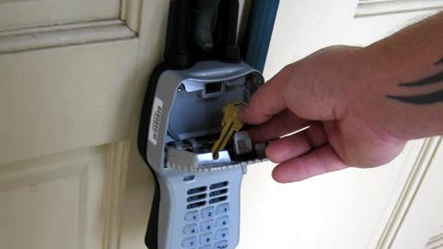 110630114557_realtor-lockbox