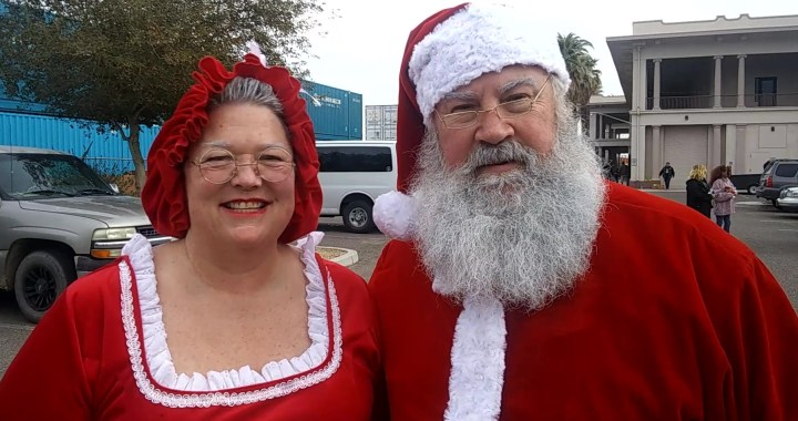 Needles, CA: Please help Santa Claus and Mrs. Claus get a new sleigh before Christmas 2020.