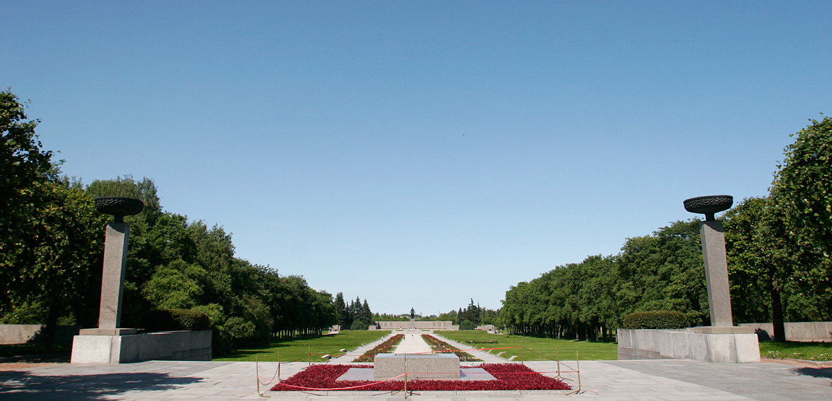 Looking in from the entrance to Piskaryovskoye Memorial Cemetery.