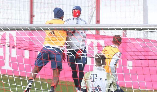 Jerome Boateng slaps Bayern Munich teammate Goretzka in training [PHOTOS] – Citi Sports Online