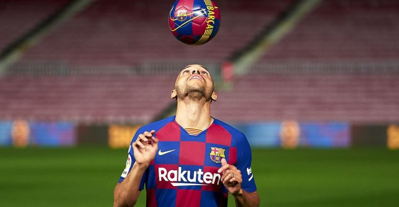 Chris Brown lookalike, Braithwaite trolled after hilarious skills at Barcelona unveiling [VIDEO] – Citi Sports Online