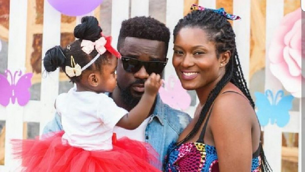 Sarkodie and family return home after 14 days quarantine