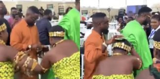 Video: Sarkodie makes history, shares money for the first time at an event