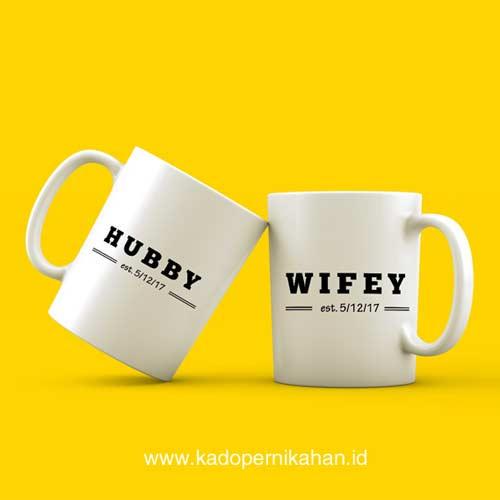 inspirasi kado pernikahan mug couple tema wifey hubby