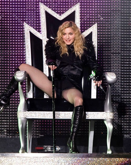 Madonna-StickyAndSweet-Milano-14.07.2009-OK-01