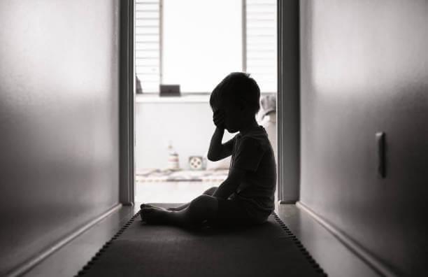 9-letni chłopiec molestowany przez 57-letniego sąsiada