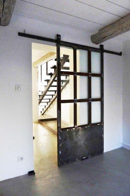 Okna i drzwi metalowe w loftowych wntrzach  Kowalstwo