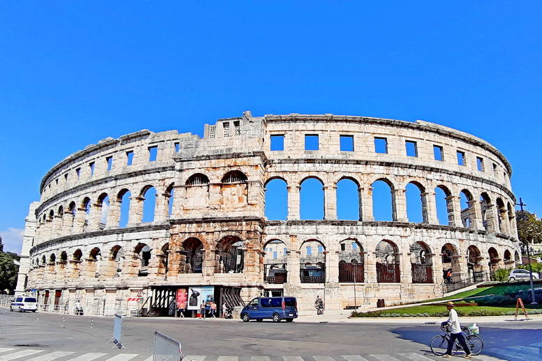 Day tour from Zagreb to Istria Pula roman amphitheater