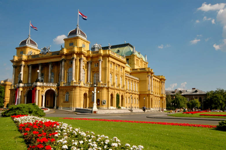 Sightseeing of National theater Zagreb