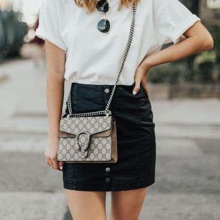 camiseta basica con falda