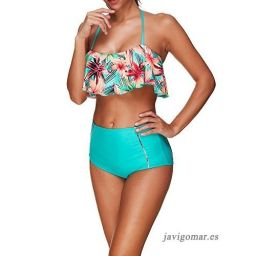 bikini silueta triangular con poco pecho