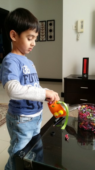 Nadir filling the candy bags