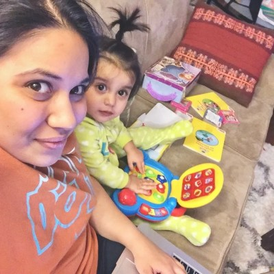 stay at home mom with a toddler independent play