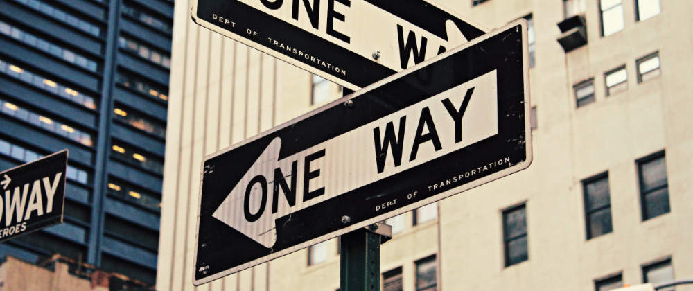 Znak pokazujący kierunek drogi jednokierunkowej