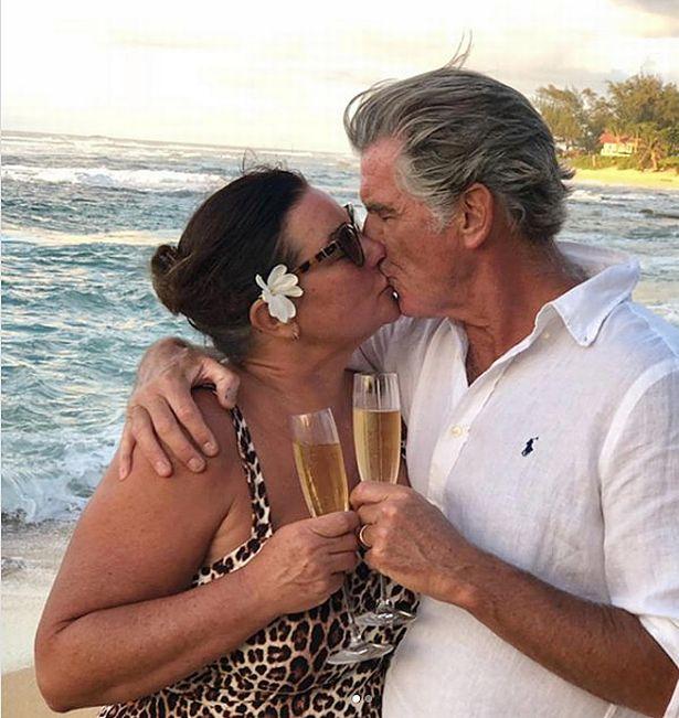 Пиърс Броснан и съпругата му