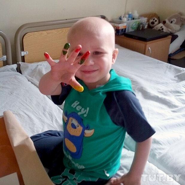 момченце в болнична стая