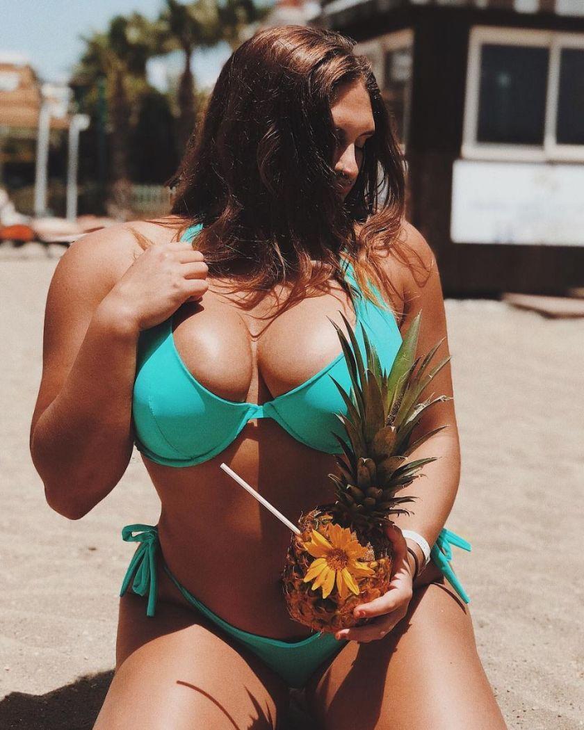 жена с мускули