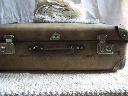 suitcase-79018_1920-2016-04-13-19-25.jpg