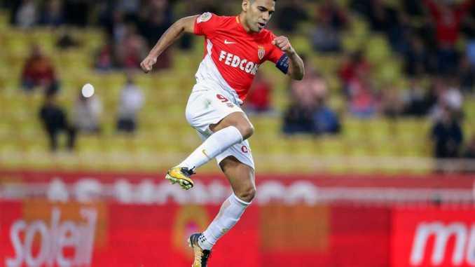 موناكو يتأهل