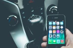appen achter het stuur