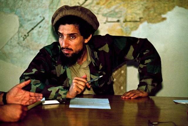 Ahmad Shah Massoud à son bureau